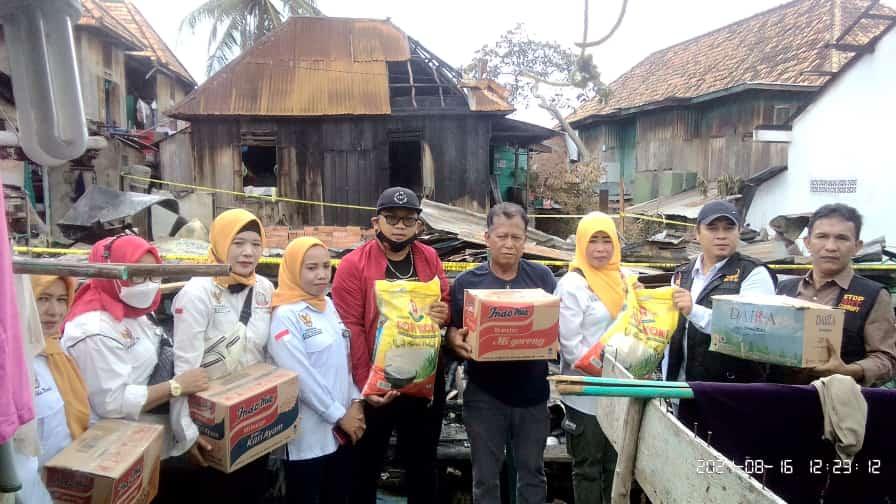 Gerakan Nasional Pencegahan Korupsi Republik Indonesia(GNPK-RI)Sumatera selatan Turun Memberi Bantuan Kepada Korban Kebakaran Di Tangga Buntung Palembang