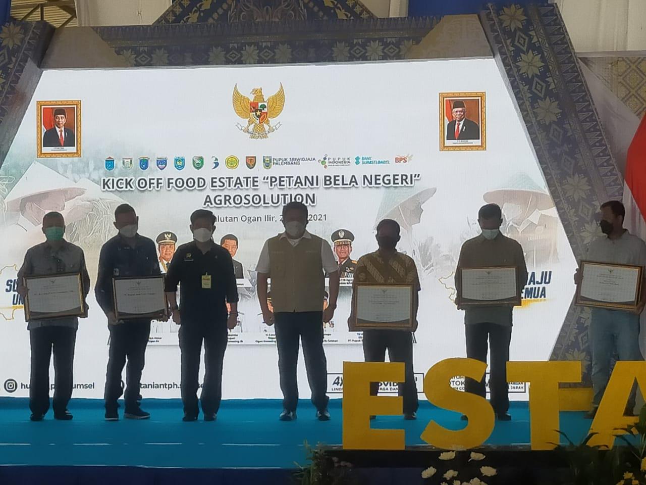 PT BPS Tbk Mendapatkan Penghargaan Pada Kick Of Food Estate oleh Menteri Pertanian RI Dan Gubernur Sumsel