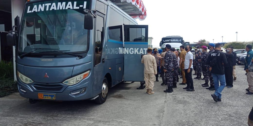 Polresta Deli Serdang Dan TNI Pam Kedatangan KASAL Di Bandara Kuala Namu
